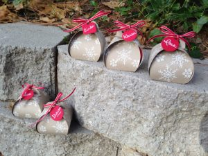 Curvy Keepsake Gift Box Thinlits dies, 135853, $32.95