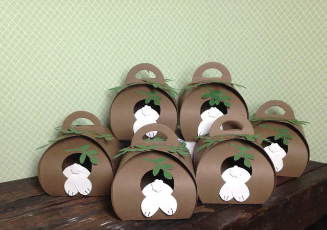 CURVY KEEPSAKES BOX Bunny Hole candy holders