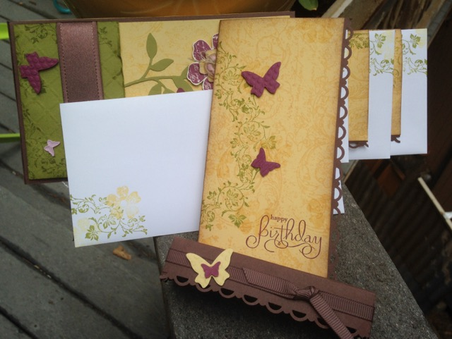 Butterfly box with 4 cards