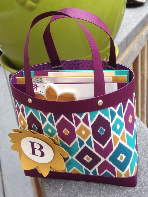 "Gift bag/purse filled with three 4"" x 4"" gift cards"