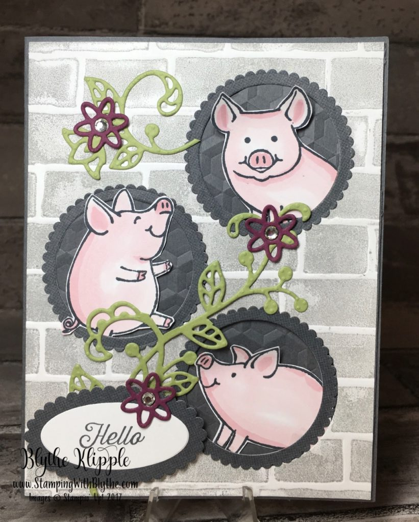 3 little piggies peeking at you